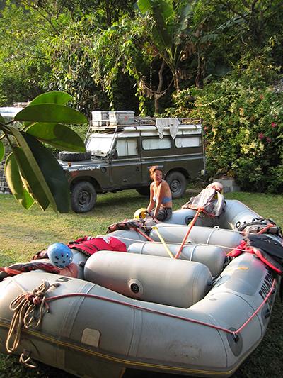 In Nepal logeren we bij een raft en kayak school